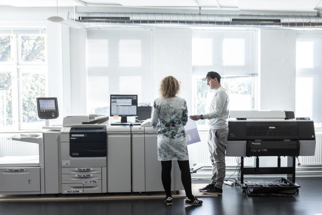 V18 tilbyder mange services med vægt på kvalitet og grafisk håndværk